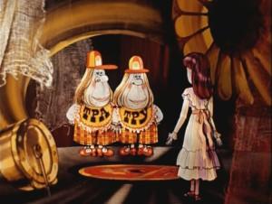 Алиса в Зазеркалье.